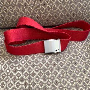 Niki Golf Belt. OS. Fabric material - Red